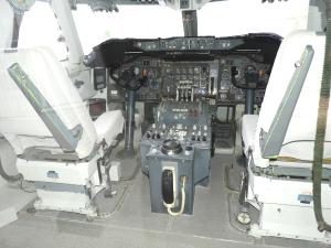 フライト・シミュレータ操縦席